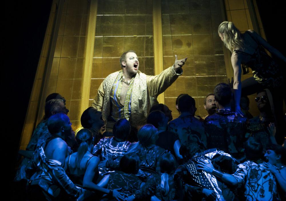 Robert Murray - Belshazzar | The Choir of The Sixteen | The Grange Festival Chorus | Photo © Simon Annand}