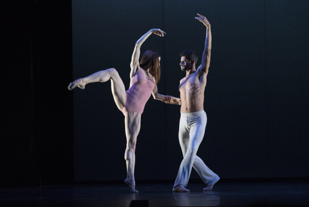 Marianela Nunez - The Royal Ballet | Thiago Soares - The Royal Ballet |  A duet from After the rain | Choreography - Christopher Wheeldon | Photo © Ravi Deepres/Evy Duthiel}