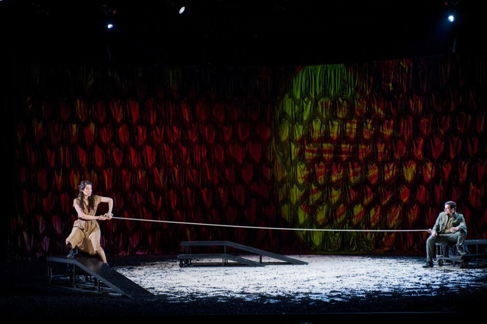 Na'ama Goldman - Carmen |  Leonardo Capalbo - Don Jose | Photo © Robert Workman}