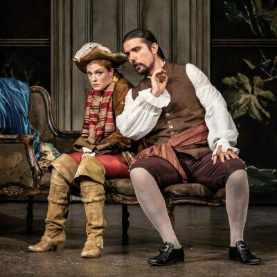 Wallis Giunta Cherubino and Roberto Lorenzi Figaro Le nozze di Figaro The Grange Festival 2019 Clive Barda e1572431777342