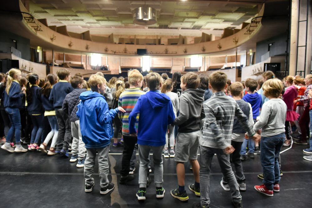 Grange School Workshop Apr19 5109}